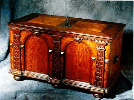 Meubles anciens coffre alsacien du xvii me bertrand for Serrure meuble ancien