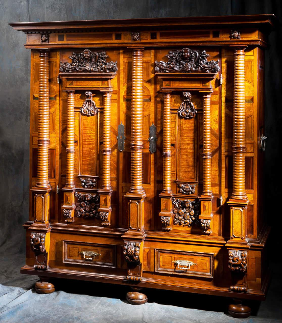 Meubles anciens armoire alsacienne 7 colonnes bertrand for Meuble antiquite