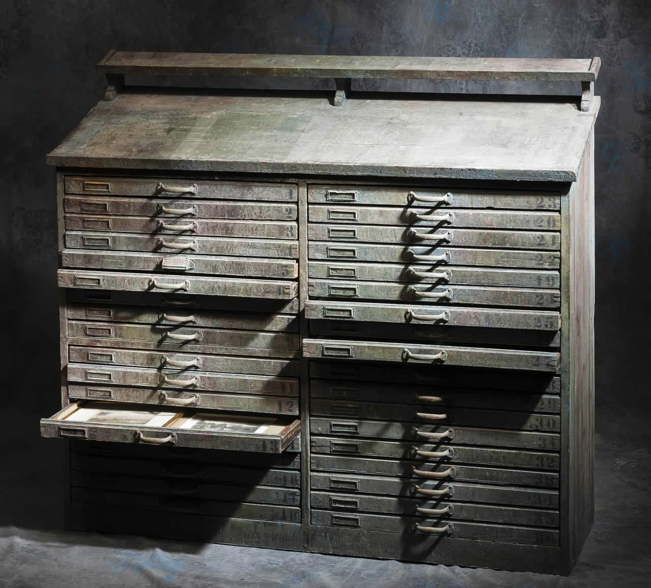 meubles anciens meuble de typograghe bertrand klein antiquit s. Black Bedroom Furniture Sets. Home Design Ideas
