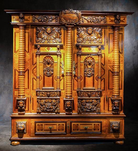 Buy Alsatian cabinet with 7 columns