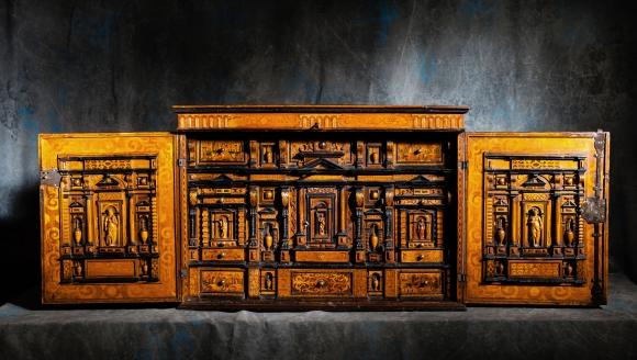 Cabinet XVI eme
